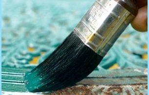 La pintura resistente al calor y el óxido en el metal