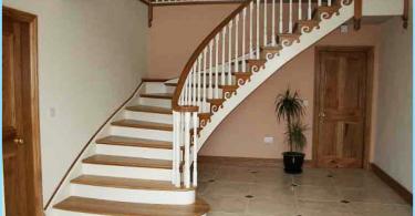 Escaleras de hormigón con sus manos